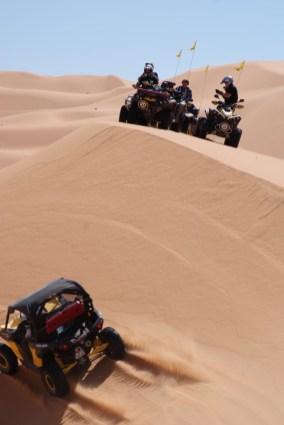 Große Pause: Trotz des weitläufigen Schulhofes, den Sandkasten muss man sich auch mit anderen teilen.