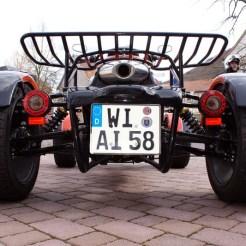 Erinnert teils an einen Bugatti... Old School eben.