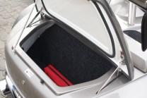 Ordentlich: Der Kofferaum ist zwar mit 20 kg ausgelastet, fasst aber das Gepäck für ein langes Wochenende zu zweit.