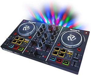 Numark Party Mix – Contrôleur DJ 2 Voies Plug-And-Play pour Serato DJ Intro avec Interface Audio Intégrée et Pré-Écoute au Casque, Commandes de Pads, Crossfader, Jog Wheels et Éclairage Lumineux