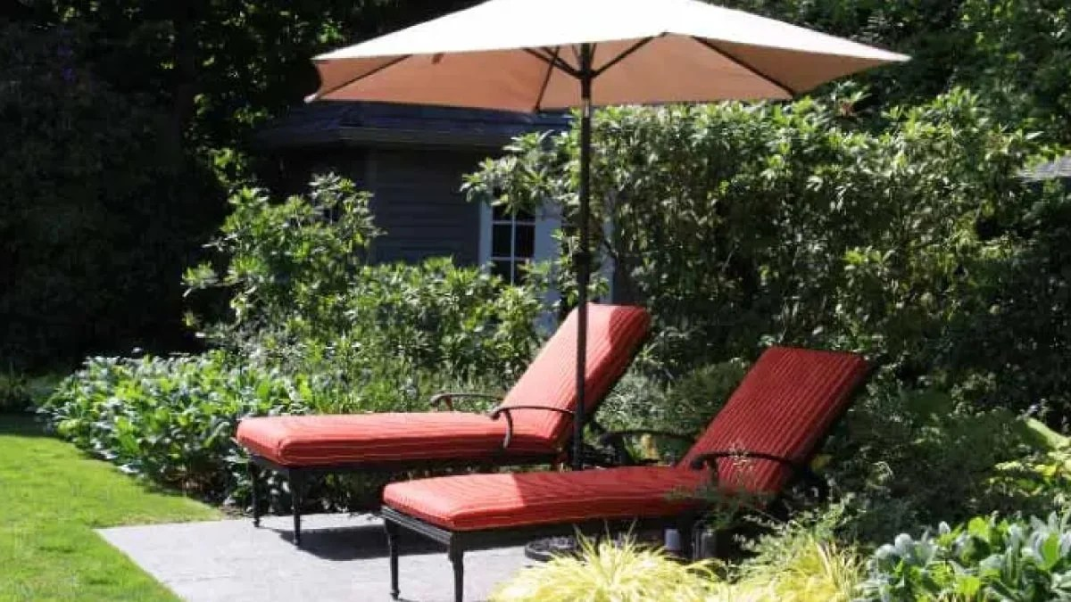how to store your patio umbrella for