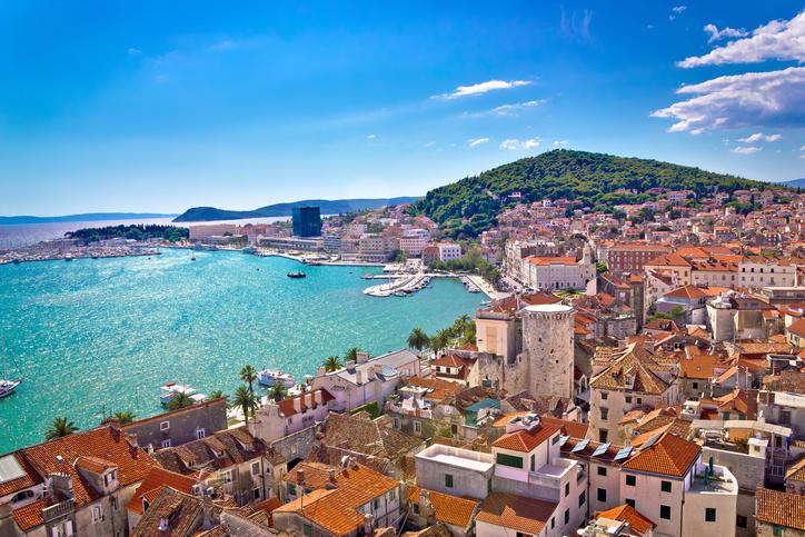 Explore cruzeiro do sul's sunrise. Split, na costa da Croácia, é repleta de história   Qual