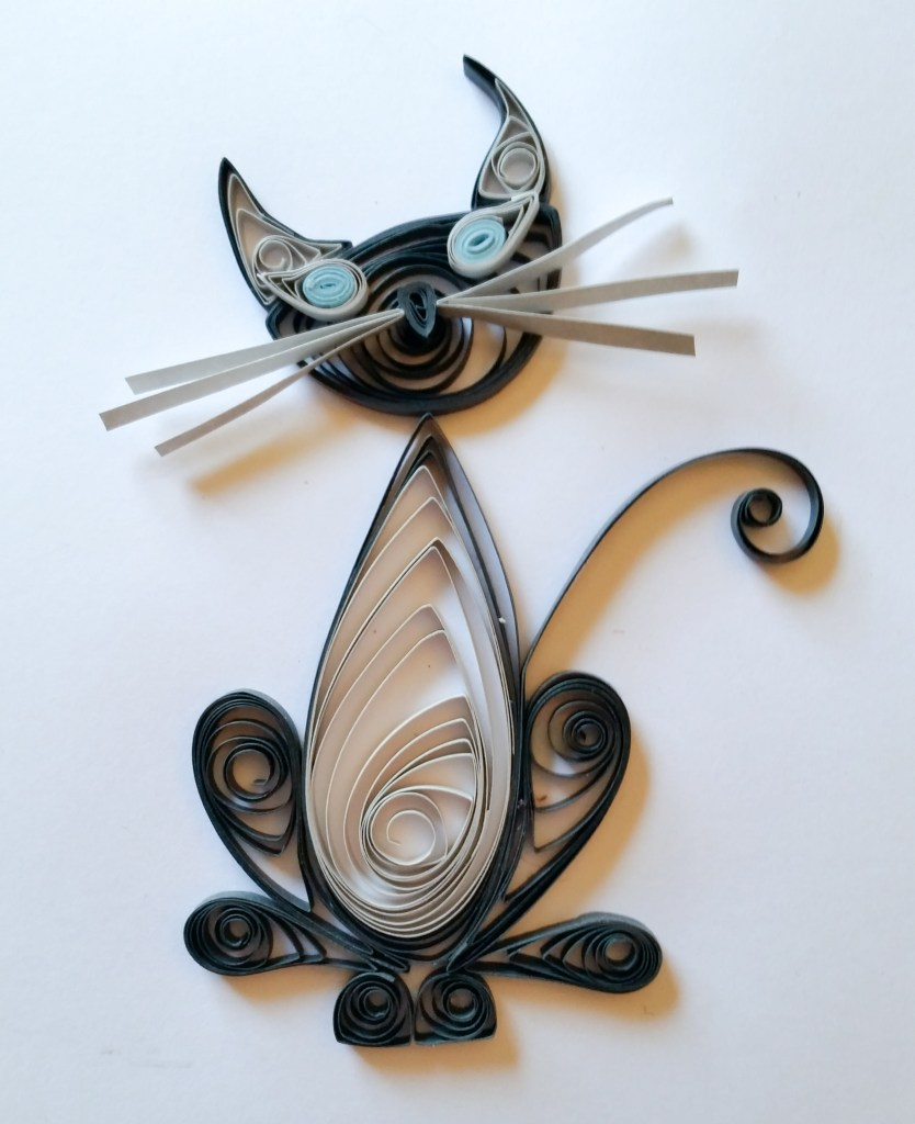 Simple Quilled Grey Siamese