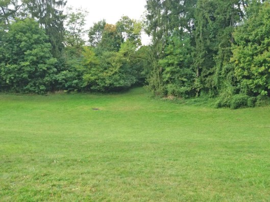 Gr_Suppenschuessel-im-Leonard-Eißner-Park