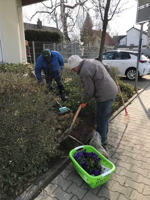 BT-Waldacker-Projekttag-19-03-2021-Natur-zurück-in-die-Stadt--Die-Erde-ist-doch-ganz-schön-fest