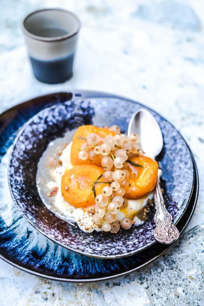 Abricots rôtis au romarin - Magali ANCENAY
