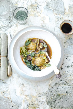 Soupe Thaï aux raviolis porc crevettes - Magali Ancenay