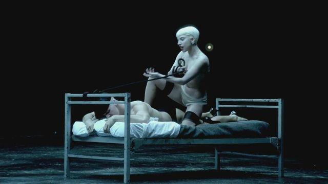 Provocación y sensualidad de Lady GaGa en 'Alejandro'