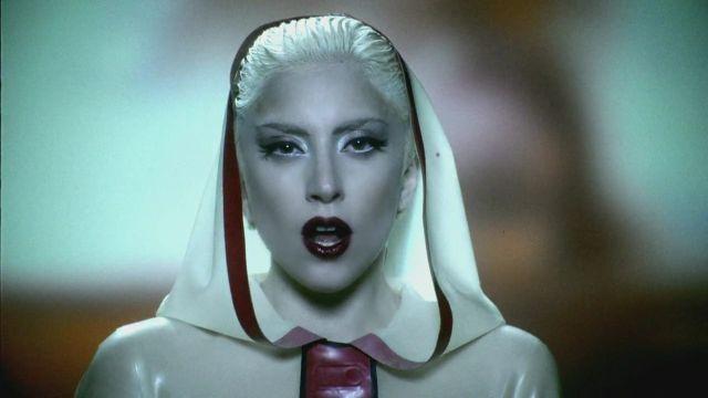 Lady GaGa homenajea el amor gay en 'Alejandro'