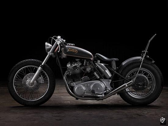 Les motos de type «café-racer sont très populaires en Europe et nous pouvons en importer une pour vous!