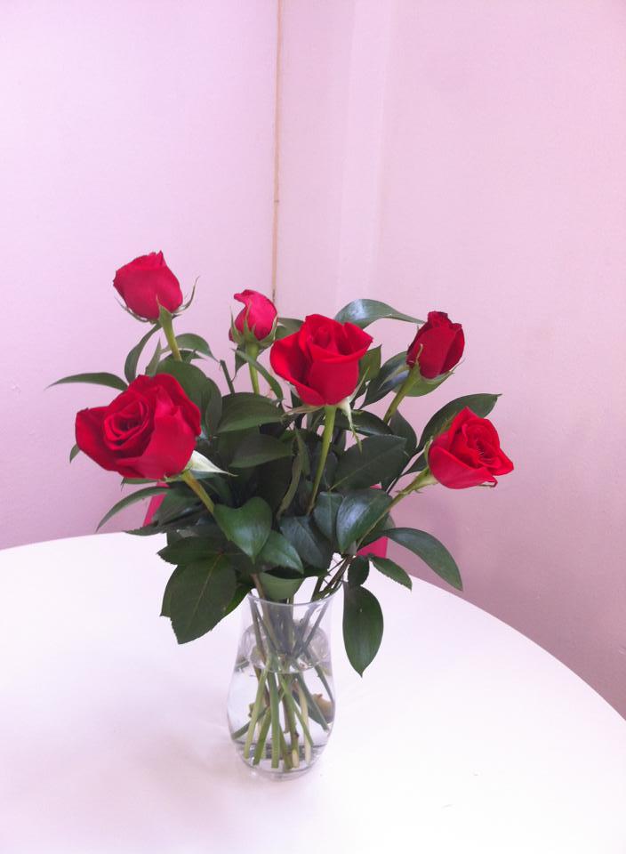 Decorar tu hogar con rosas rojas