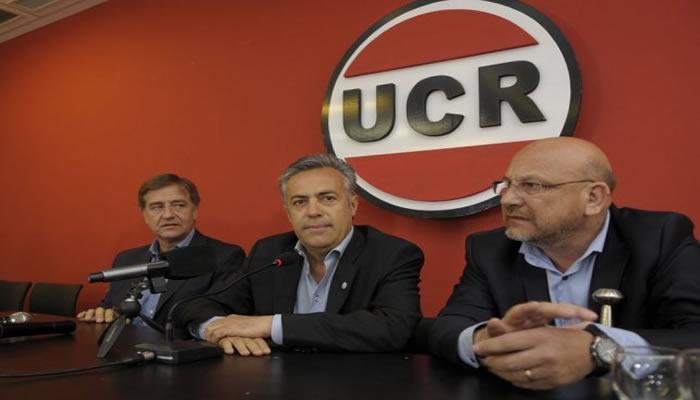 Corral termina su mandato como presidente de la UCR
