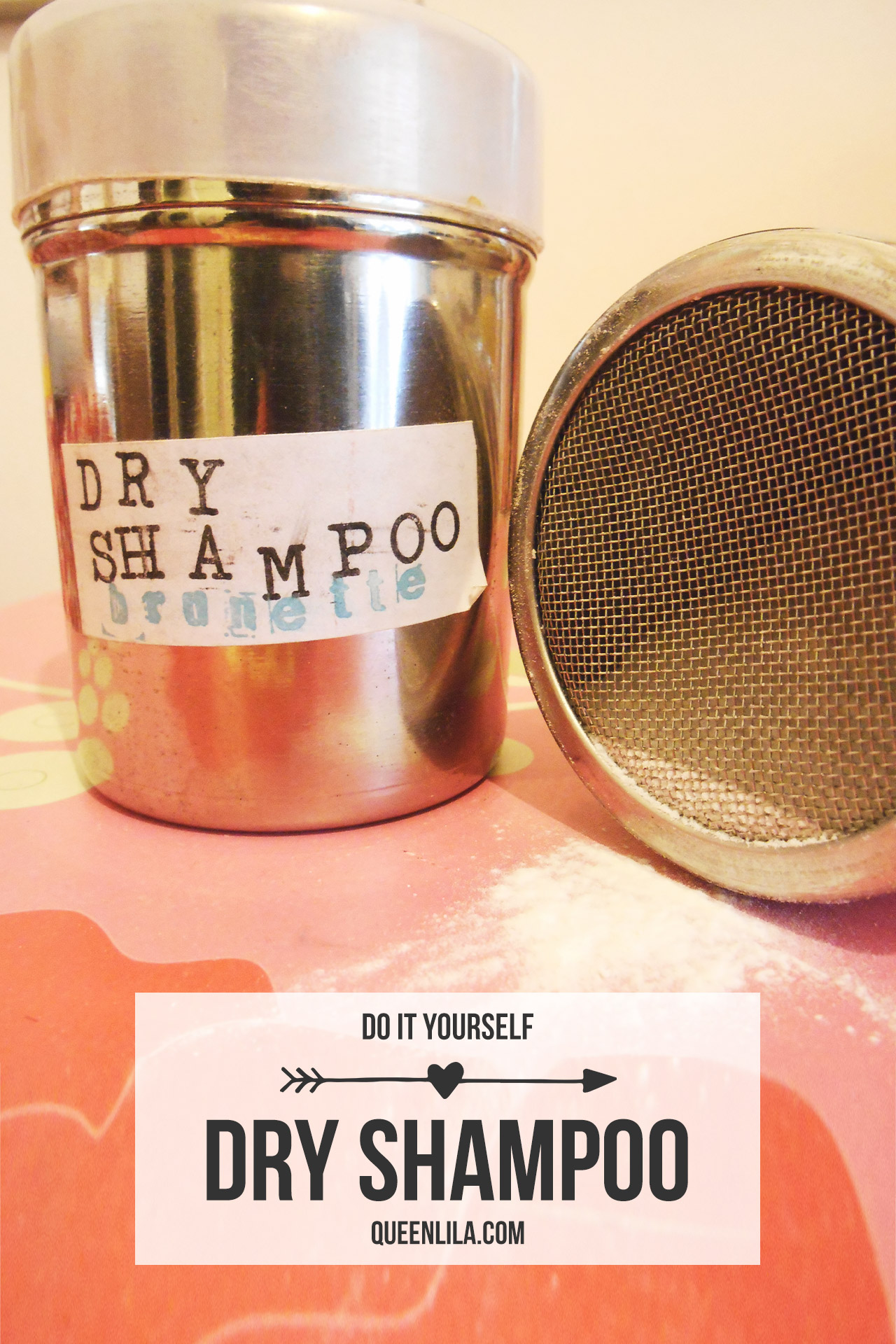 Dry Shampoo for blondes & brunettes. Click through for the recipe | Queen Lila