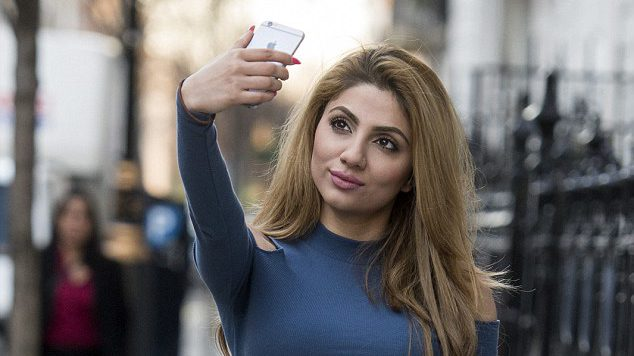 How SELFIES are damaging your skin
