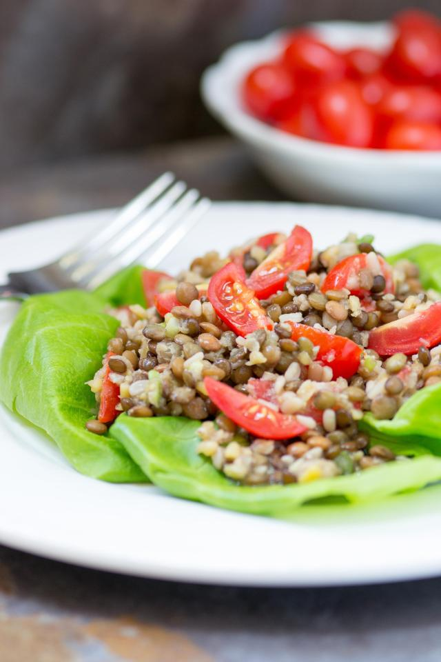 Lentil Salad with Sherry Vinaigrette is vegan and gluten-free. With 13g of protein and 15g of fiber per serving, it will keep you nourished and satisfied.| QueenofMyKitchen.com