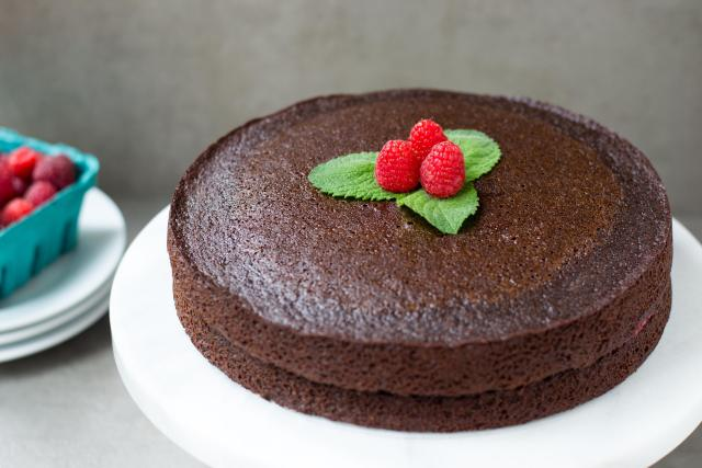 Chocolate Avocado Oil Cake with Raspberry Chia Filling - gluten-free, dairy-free, grain-free, paleo, and no refined sugar. The perfect clean-eating dessert.
