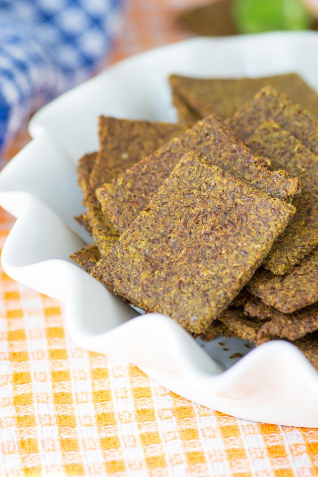 Sweet Potato Flax Crackers are gluten-free, grain-free, dairy-free, and vegan with a whopping 7 grams of fiber per serving. Made with just 5 ingredients! | QueenofMyKitchen.com
