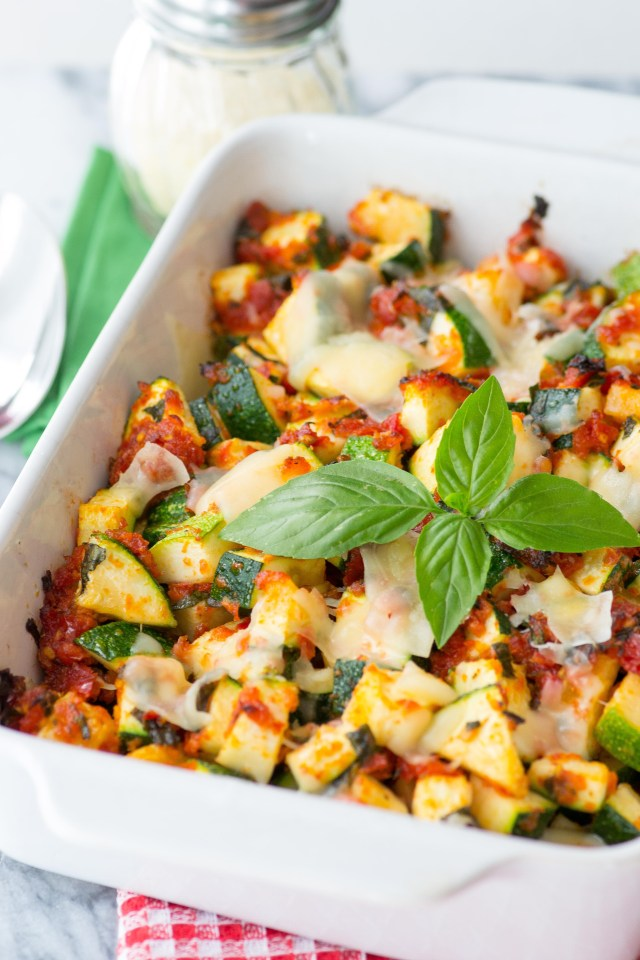 Baked Sun Dried Tomato Zucchini is a delicious oven-to-table casserole with just 4 ingredients. Quick, easy, and requires only 20 minutes in the oven. Baked Sun Dried Tomato Zucchini is a delicious oven-to-table casserole with just 4 ingredients. Quick, easy, and requires only 20 minutes in the oven. | QueenofMyKitchen.com