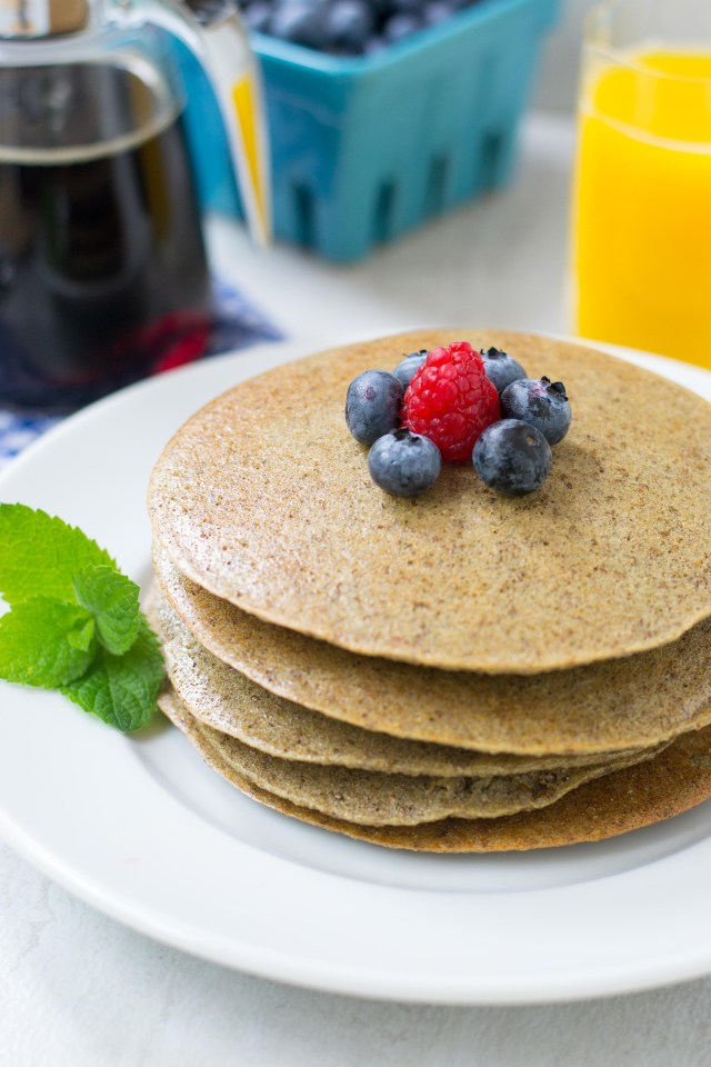 Baked Quinoa Chia Pancakes - Gluten-free, dairy-free, vegan pancakes that will satisfy even the most die-hard pancake lover. Bake them in just 12 minutes. Healthy and delicious. | www.QueenofMyKitchen.com