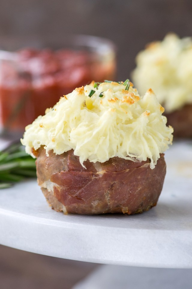 Blue Cheese Meatloaf Cupcakes with Mashed Potato Frosting – Recreate one of the most boring meals ever (meatloaf and mashed potatoes) and surprise your family with cupcakes for dinner! | QueenofMyKitkchen.com | #meatloaf #cupcake #cupcakes #glutenfree #glutenfreerecipes #funfood