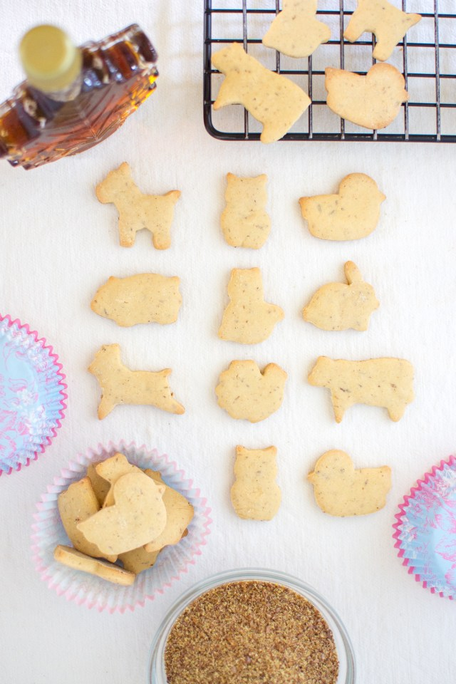 Maple Flax Animal Crackers – A healthier version of the iconic childhood snack. Gluten-free and no refined sugar. Perfect for lunch boxes. | QueenofMyKitchen.com | #animalcrackers #glutenfreesnack #glutenfreesnacks #glutenfreecookies #lunchboxsnack #lunchboxsnacks #kidssnacks #kidsnacks #norefinedsugar