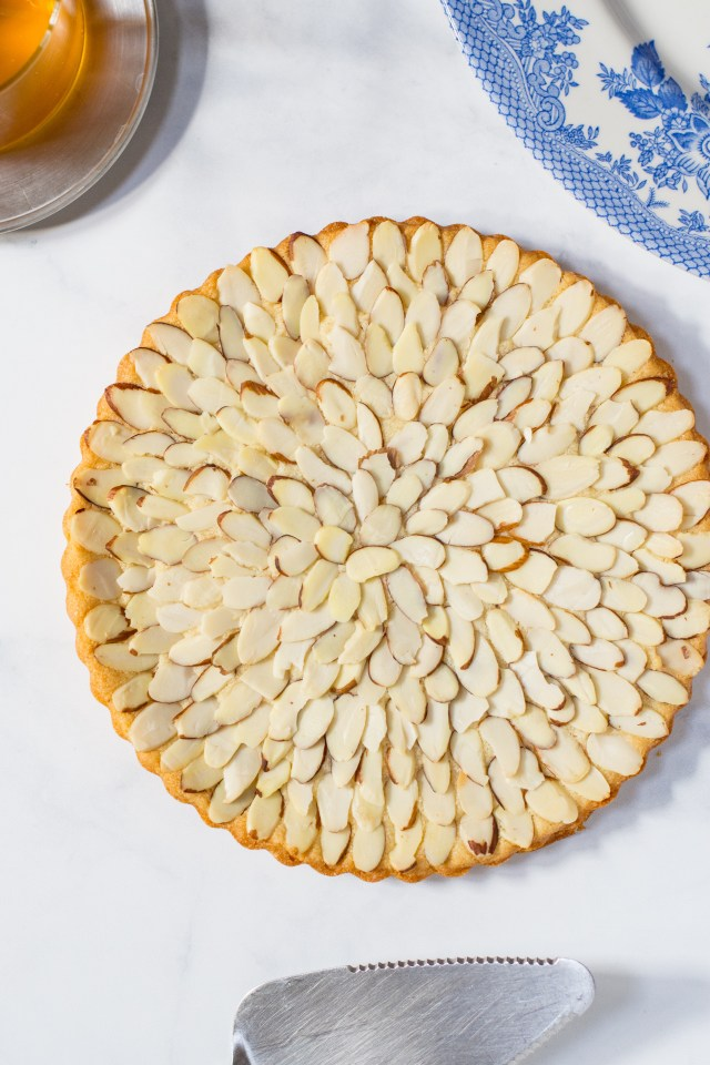 Honey Almond Shortbread – A tender, buttery, melt-in-your-mouth shortbread sweetened naturally and gluten-free. A quick and easy recipe. Only 10 minutes to bake with no rolling or cutting of the dough required. Perfect for afternoon tea. | QueenofMyKitchen.com | #cookie #cookies #shortbread #shortbreadcookies #glutenfreecookie #glutenfreecookies #easyrecipe #glutenfreedessert #healthybaking