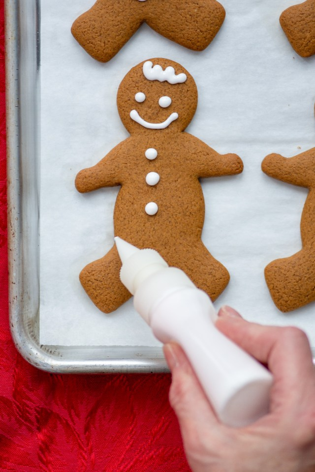 Coconut Oil Gingerbread Men - These modern-day gingerbread men are made with coconut oil and have a soft, chewy texture with classic gingerbread flavor. | QueenofMyKitchen.com | #gingerbread #christmas #christmascookies #gingerbreadmen #coconutoil