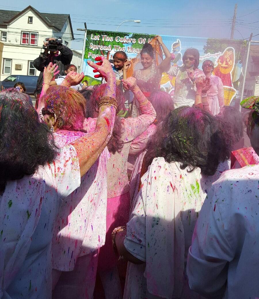 Pre-Phagwah celebration at Trimurti Bhavan