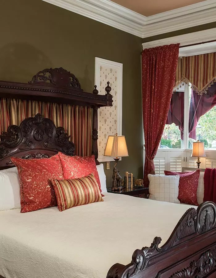 Stay In Cape May  Lodging  The Queen Victoria