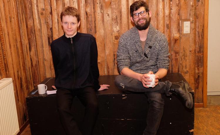 Julian-Ferdinand Vögele (links) und Till Rimmele wollen einen LGBTIQ-Treffpunkt in Überlingen etablieren