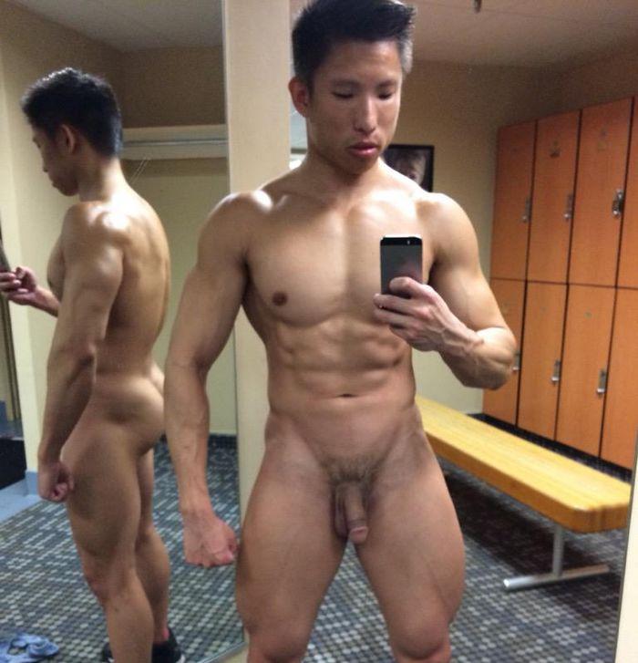 naked chinese man bodybuilder
