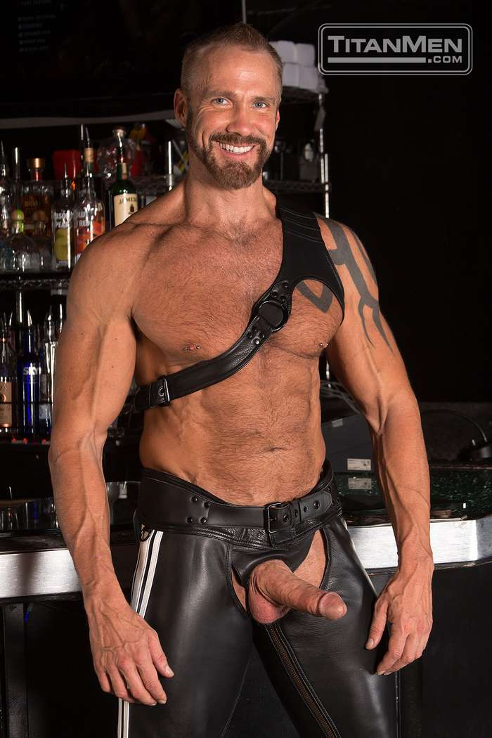 Gay daddy leather porn