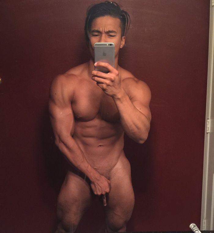 Ken Ott Muscle Hunk Naked Selfie jpovfitness