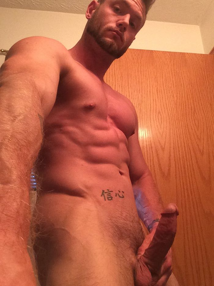 ace-era-gay-porn-star-muscle-bottom-4