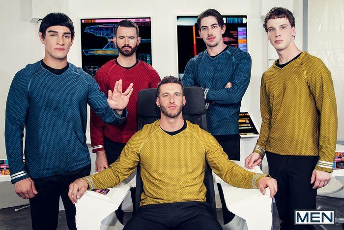 star-trek-gay-xxx-porn-parody-orgy-kirk-spock-chekov-scotty-mccoy-group-sex-1