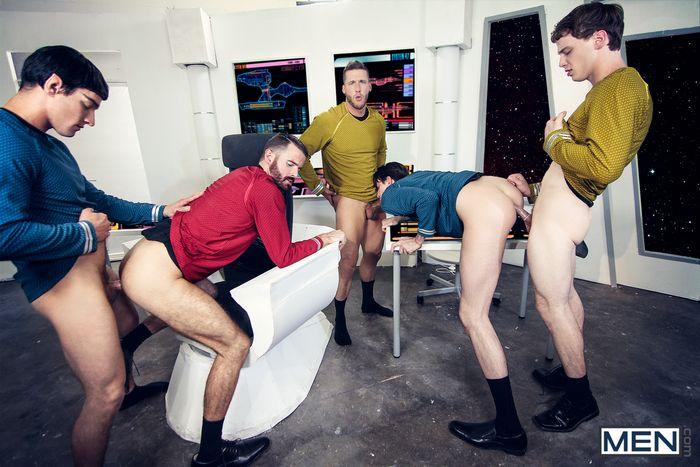 star-trek-gay-xxx-porn-parody-orgy-kirk-spock-chekov-scotty-mccoy-group-sex-10