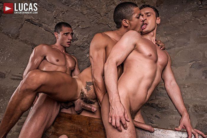 ibrahim-moreno-alex-kof-javi-velaro-gay-porn-3