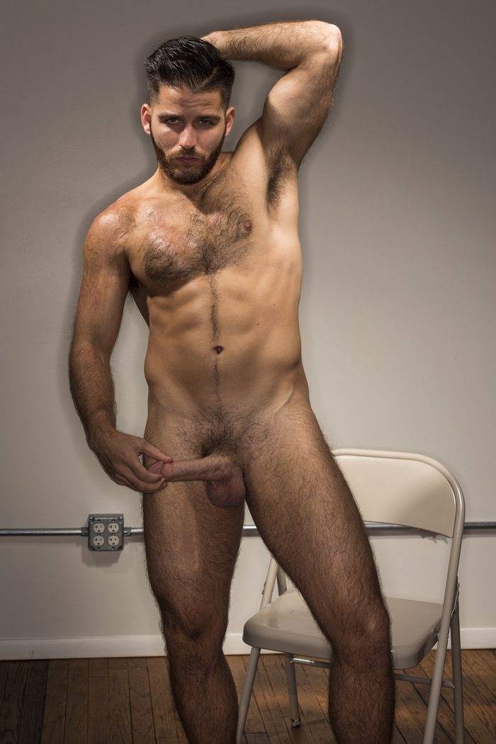 Male pron stars naked
