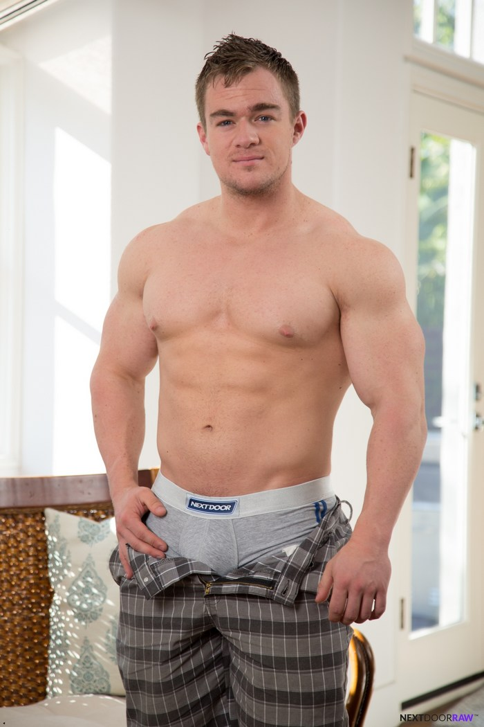 Eric Turner Gay Porn Muscle Hunk Mikey Junior