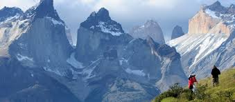 Gobierno define turismo como sector productivo estratégico