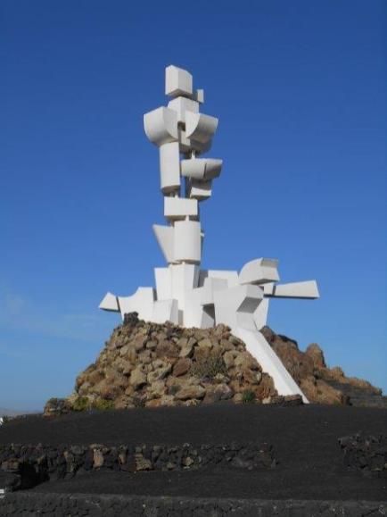 Monumento al campesino (San Bartolomé)