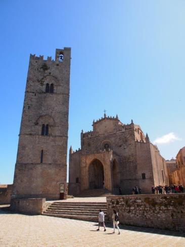 Tour di re Federico ou Torre di Federico III ou campanile del duomo (Erice)