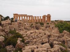 Depuis le temple F vue sur le temple E (Selinunte)