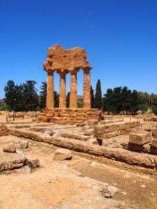 Temple de Castor et Pollux ou des Dioscures (Agrigente)