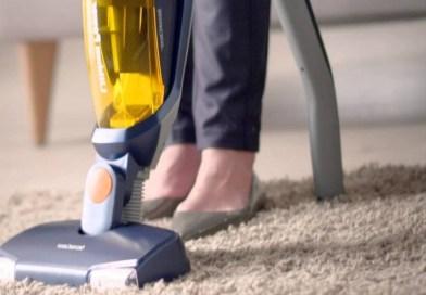 Les aspirateurs balais sont-ils plus efficaces que les aspirateurs traîneaux?