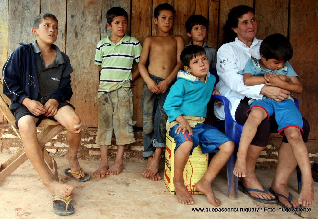 Viuda e hijos de Arnaldo Ruiz Diaz, muerto en la masacre de Marina kue. Octubre de 2012, Curuguaty.