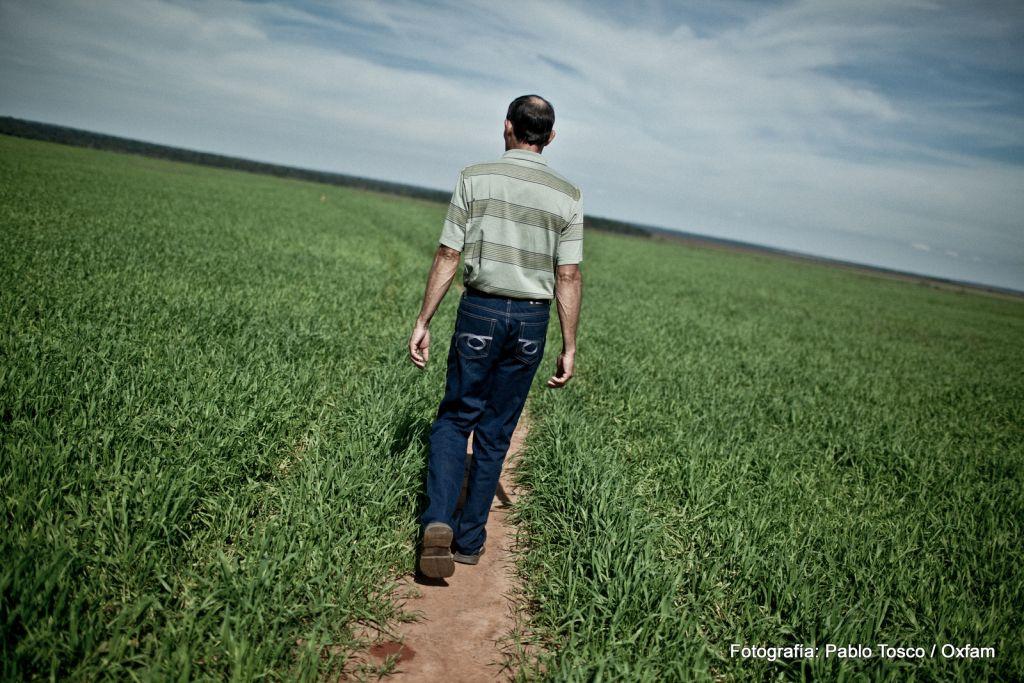 Campaña Jóvenes sin tierra = Tierra sin futuro