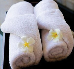 Finishing touches, towels with flowers