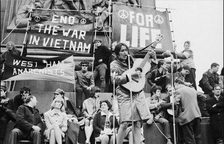 Joan Baez singing