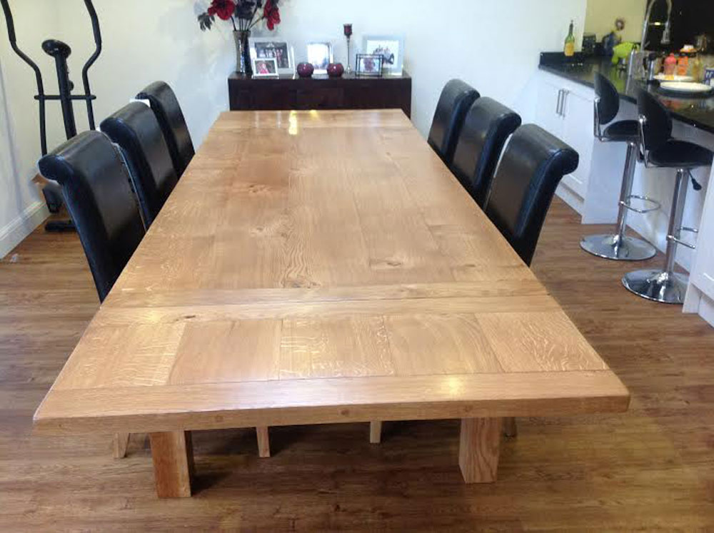 Extending dining table top made with 5 boards of prime character Oak